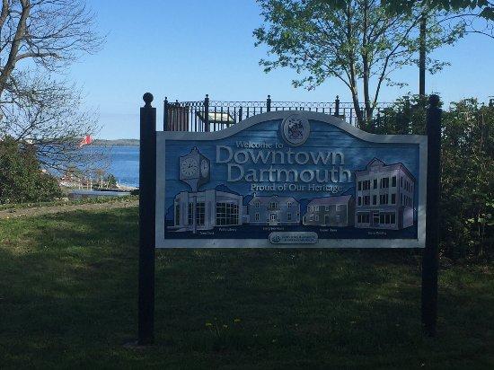 Dartmouth Resmi