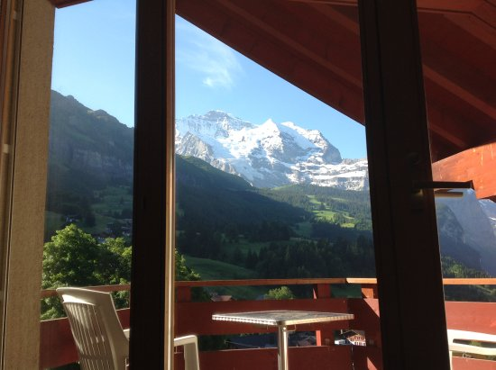 Hotel Eiger Wengen: View from the balcony