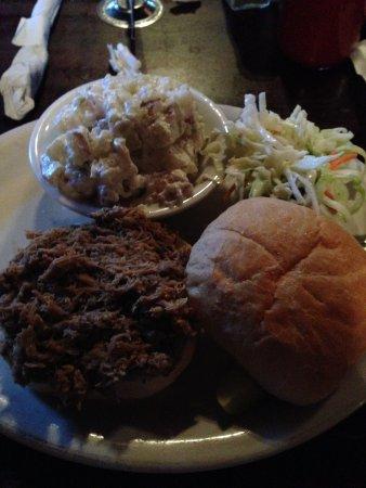 Suffolk, Wirginia: BBQ Sandwich
