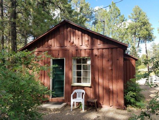 Jacob Lake, AZ: Entrance to room at rear of cabin building