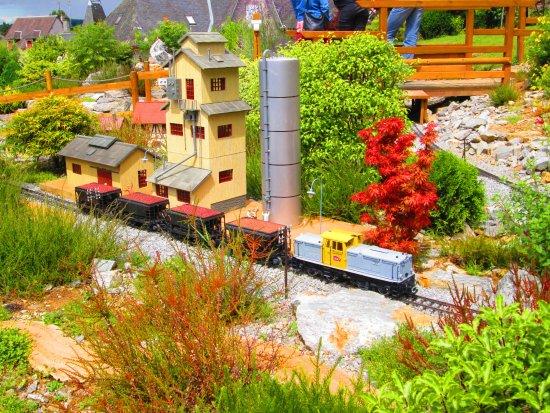 Les Petits Trains