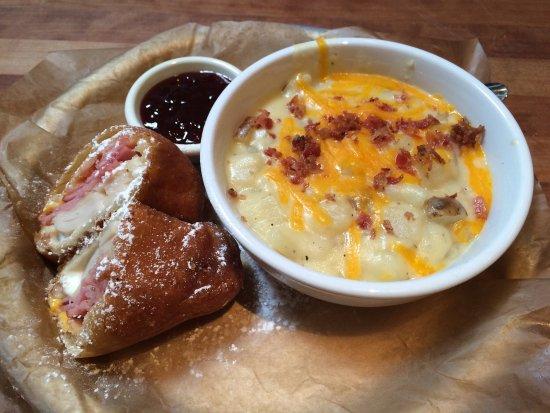 Cheddar S Scratch Kitchen Pleasant Prairie Wi