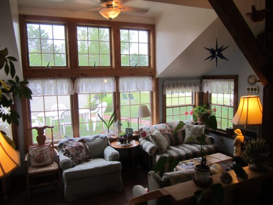 Weston, VT: Sun room on the front of the house; the location for afternoon cookies and lemonade!