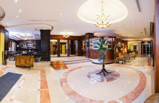 Hilton Princess Managua: Spacious Lobby