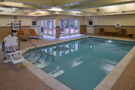 Hampton Inn & Suites Tacoma-Mall: Indoor Pool View