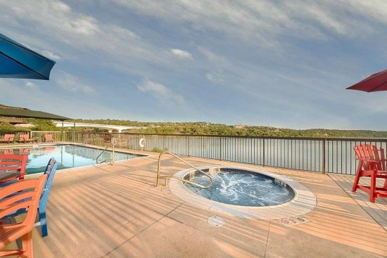 Marble Falls, TX: Pool and Whirlpool