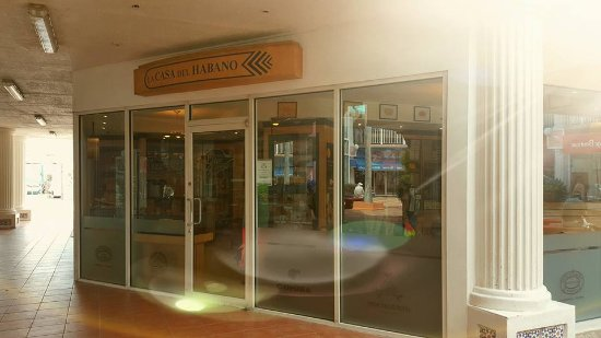 Cigar Emporium : Our store front