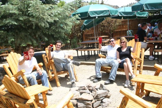 Three Rivers Smokehouse: Gather with friends on our patio!