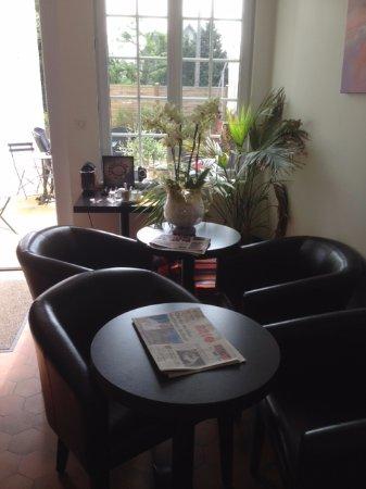 Hotel de la Baie de Morlaix: Entrée salle à manger, espace détente