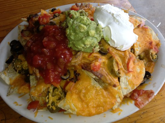 Almont, CO: Pulled pork nachos