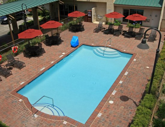 Hampton Inn Channel Islands Harbor: Outdoor pool