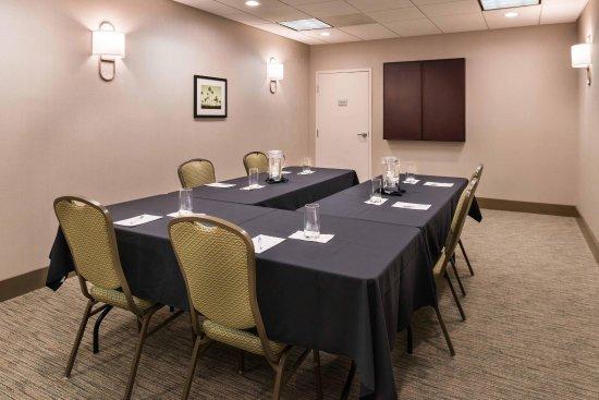 Hampton Inn Channel Islands Harbor: Peninsula Meeting Room