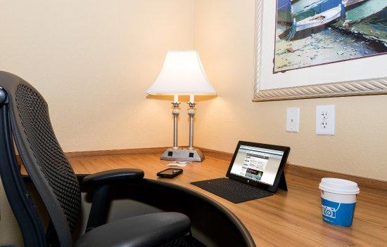 Hampton Inn & Suites Jacksonville South-St. Johns Town Center Area: Desk