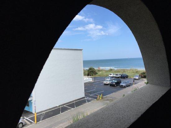 Hampton Inn & Suites Myrtle Beach/Oceanfront: Looking north from Parking Garage at Hampton Inn & Suites, Oceanfront, Myrtle Beach SC