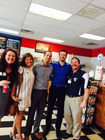 คลินตัน, มิซซิสซิปปี้: Some of our best customer Celebrating a birthday