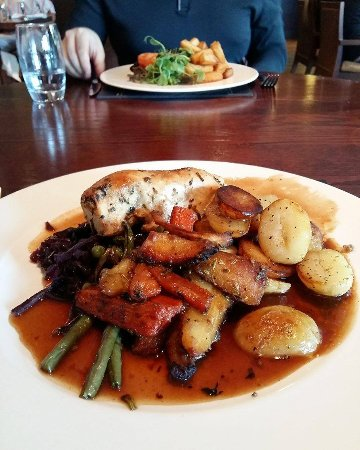 Barnham Broom, UK: 3 course meal
