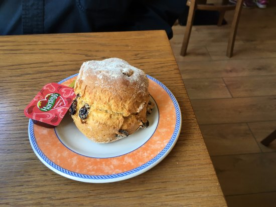 Walsh's Bakery and Coffee Shop: Scone