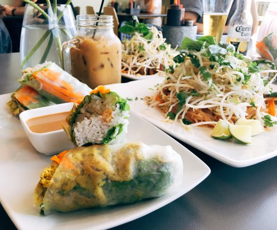 Surrey, Kanada: Amazing foods, exquisite presentation, above and beyond service!
