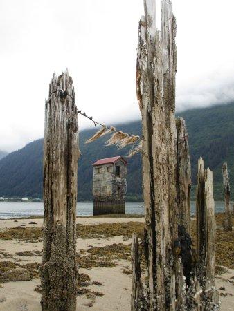 Douglas, AK: Sandy Beach