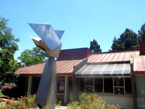 Sunnyvale Theatre: Statue and Sunnyvale Theatre, Sunnyvale, CA