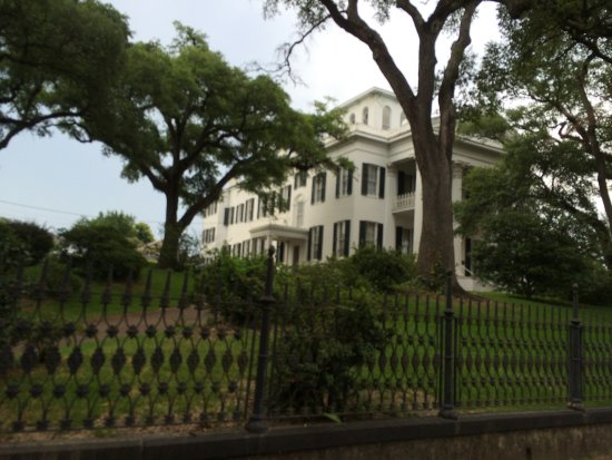 Natchez, MS: One of the mansions