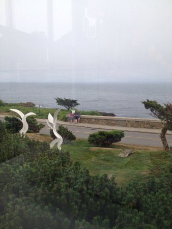 Ocean Cape Arundel Inn : View...that's the Bush compound in the second photo!