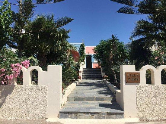 Villa Nikos Kamari: IMG-20160715-WA0012_large.jpg