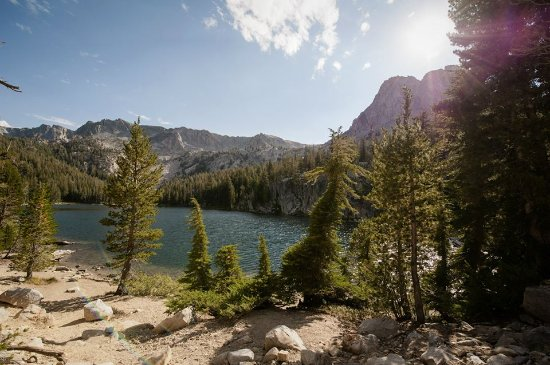 Crystal Lake trail: At the end of the trail is Crystal Lake, one of the Mammoth Lakes in California