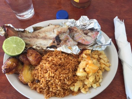 Bimini: Snapper, rice and beans, mac n cheese and plantains