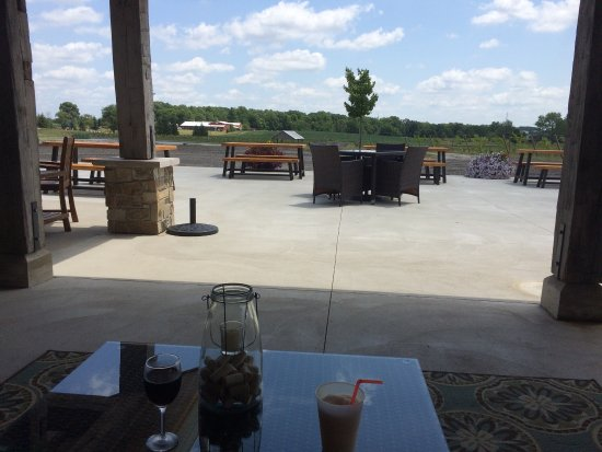 Auburn, IN: Beautiful place to relax and drink great wine!
