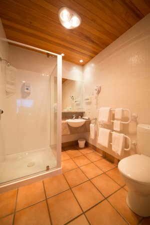 Siena Motor Lodge: En-suite bathroom for all our studios