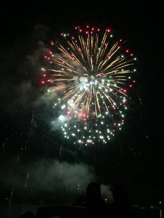 Donner Lake Village: Fireworks on 4th July