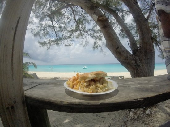 Bimini: Delicious, cheap lunch with a view
