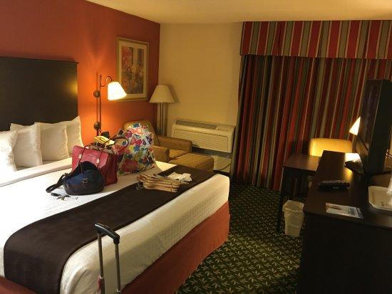 AmericInn Hotel & Suites Bloomington West: photo0.jpg