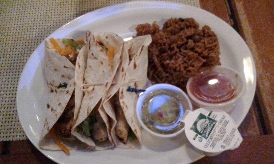 Big Game Club Bar & Grill: Fish tacos - yummy