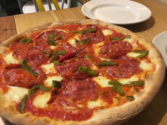 Altona, أستراليا: Pizza Piccante