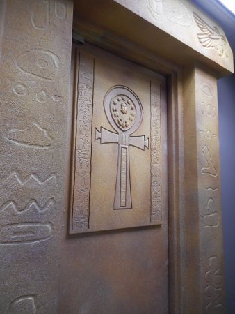 Escape Room Mystery: The Egyptian Tomb Entrance