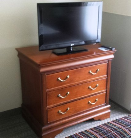 Lehighton, Pennsylvanie : TV in King bedroom