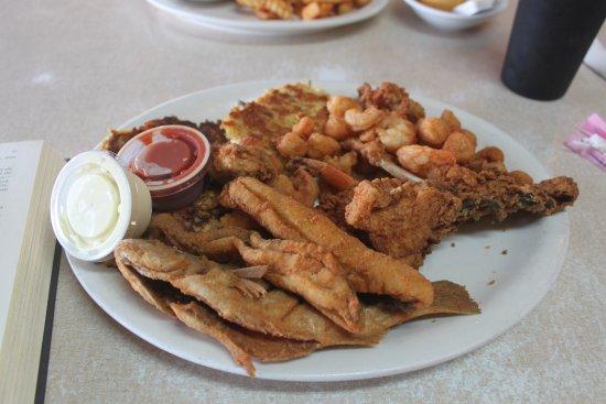 Exmore, เวอร์จิเนีย: Seafood dinner