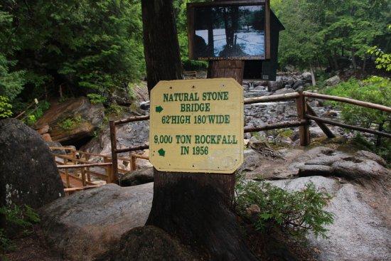 Natural Stone Bridge and Caves: Explanatory text