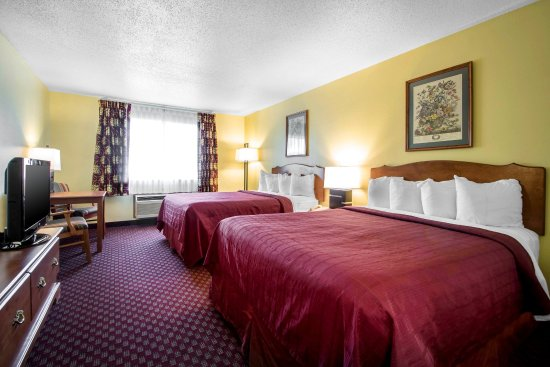 Mineral Point, WI: Queen guest room