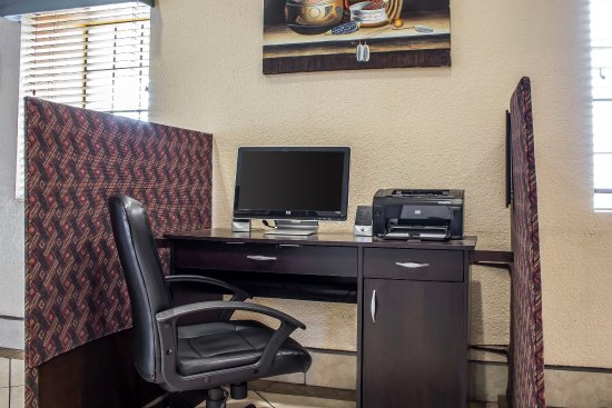 Quality Inn Winslow: Business Center