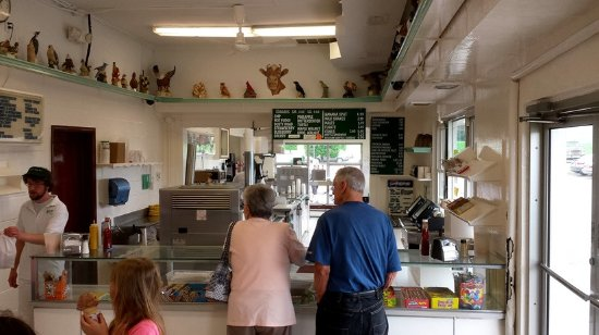 Tamaqua, PA: Inside Counter To Order Ice Cream