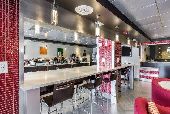 Comfort Inn - Los Angeles / West Sunset Blvd.: BREAKFAST BAR AREA