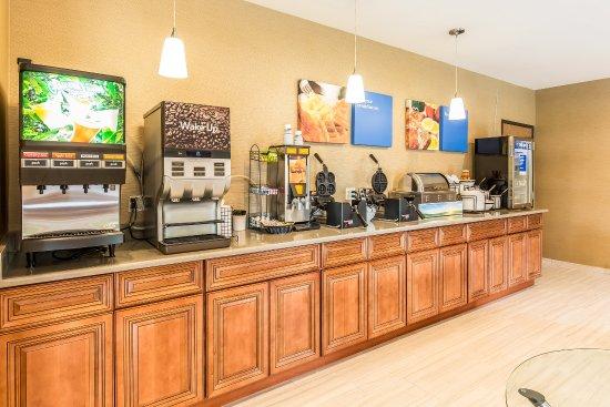Romeoville, IL: Breakfast Area