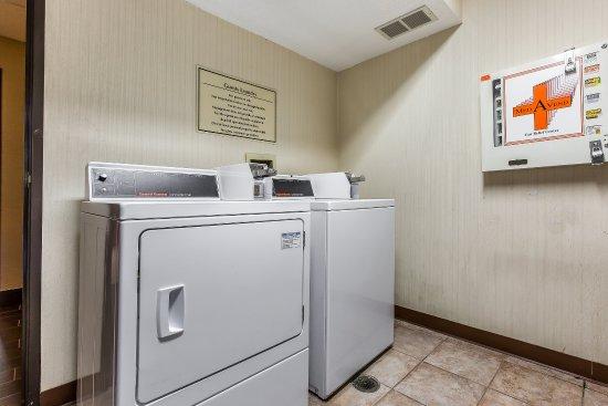 Romeoville, IL: Laundry