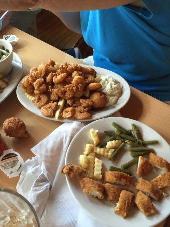 Holland's Shelter Creek: Fried Shrimp Platter :-)