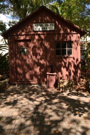 Florida Tech Botanical Garden: Melbourne schoolhouse from 1880s