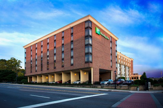 Atenas, GA: Holiday Inn Downtown Athens centrally located to all attractions.