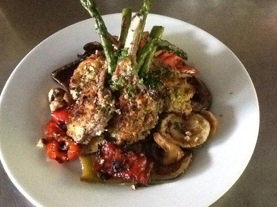 High Falls Tropical Fruit Restaurant : Herb encrusted lamb cutlets